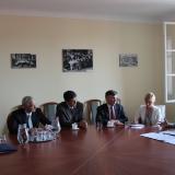A budapesti Amerikai Nagykövetség munkatársai az OFI-ban tájékozódtak a megújuló tankönyvekről